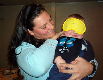 Blindfolding made no difference to a baby's response to steady beat.